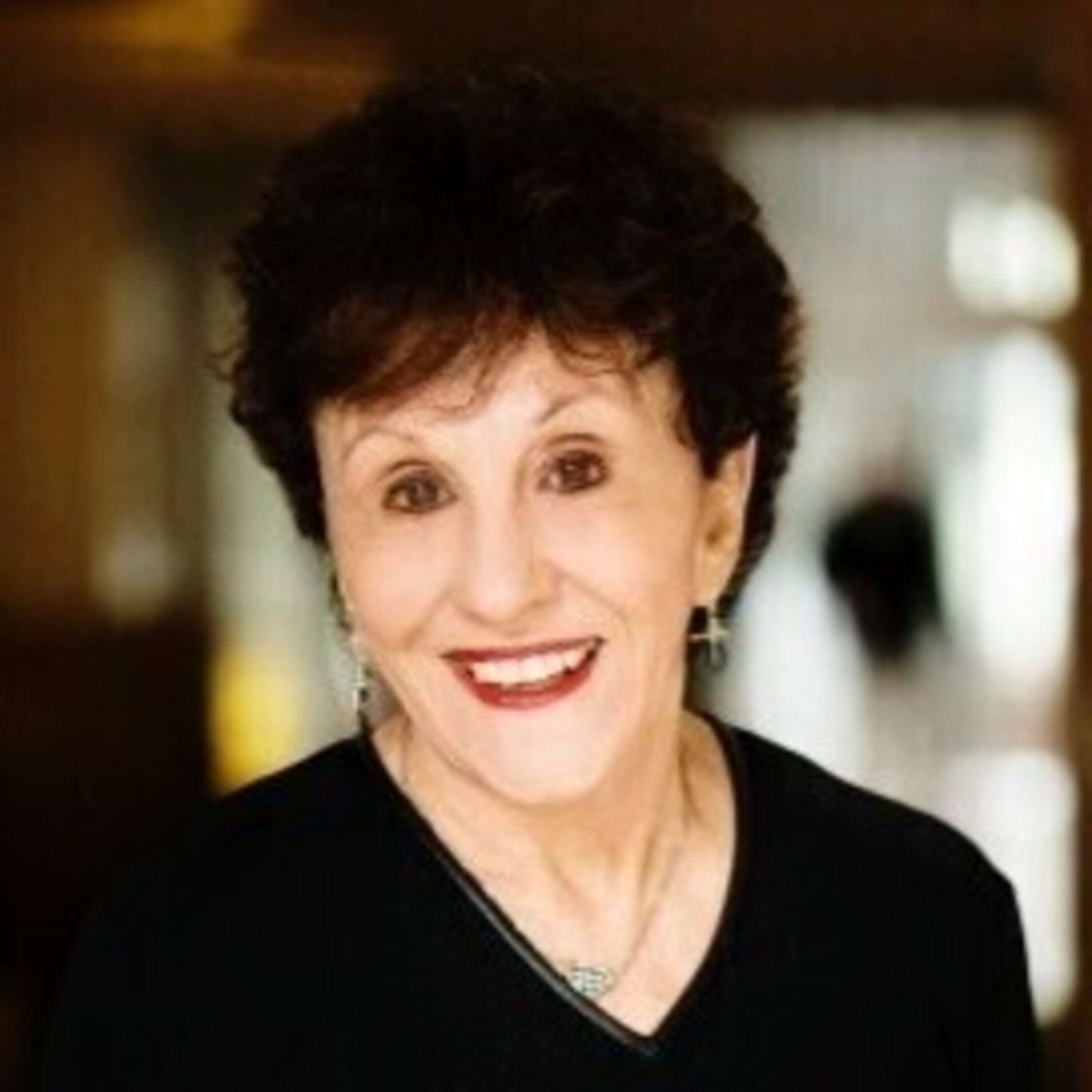 Dr. Beverly Kaye - Love 'em or Lose 'em, Strategies to Keeping Happy Employees